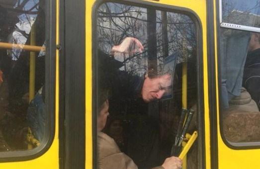 У Тернополі водій затиснув вагітну жінку дверима